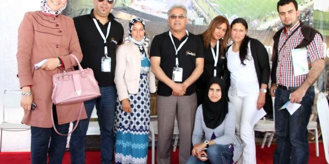 صور لضيوف مع الفلاح بالمعرض الدولي للفلاحة بمكناس