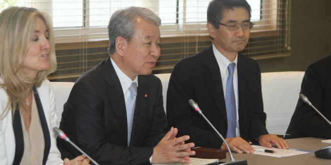 السيد الوزير عزيز أخنوش يتباحث مع رئيس الوكالة اليابانية للتعاون الدولي
