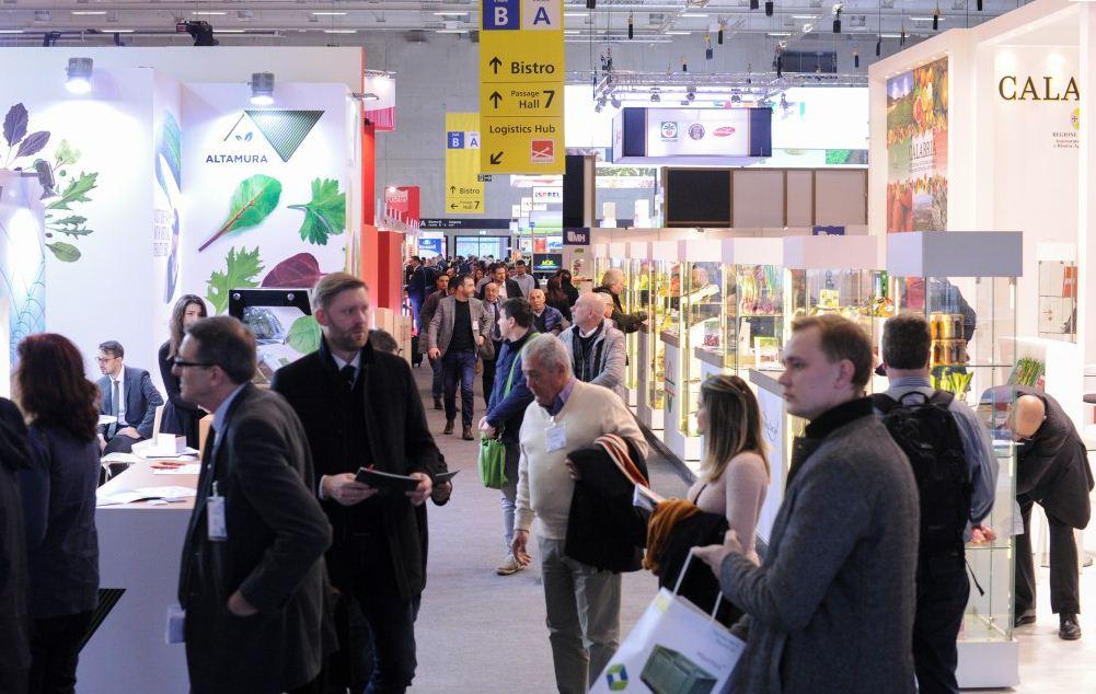 """افتتاح الجناح المغربي في المعرض الدولي للخضر و الفواكه """"فروت لوجيستيكا """" في دورته ال24 ببرلين."""