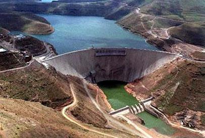 الدعوة إلى الإسراع ببناء سد تاكزيرت ببني ملال لتلبية الحاجيات المتزايدة من الماء بالمنطقة