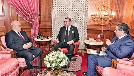 جلالة الملك يستقبل بالدار البيضاء رئيس الحكومة و وزير الفلاحة و الصيد البحري.